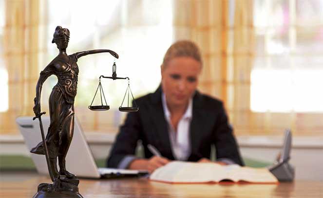На приеме у адвоката