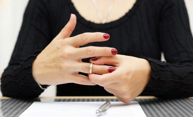В каких случаях можно подать на развод через МФЦ